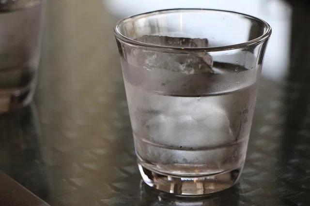 ダイエットに効果的な水